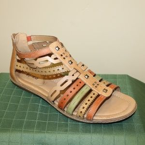 Earth Women size 9 B Bay Gladiator Sandal